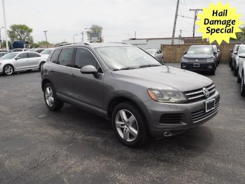 Pre-Owned 2011 Volkswagen Touareg
